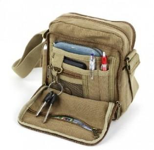 Käytännöllinen laukku - Khaki