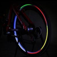 Hauskat heijastintarrat pyörän renkaisiin tuovat pyörällesi lisä ilmettä ja lisäävät samalla pyöräsi näkyvyyttä esimerkiksi iltaisin pimeällä. Lisää pyöräsi turvallisuutta sekä tyyliä helposti ja vaivattomasti!