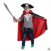 Allmänt:Ska ditt barn delta i maskerad eller halloweenfest? Denna klassiska sjörövardräkt fungerar alltid bra. En riktig pirat behöver sin hatt, ögonlapp, svärd och kåpa. Dessa ingår alla i detta set.