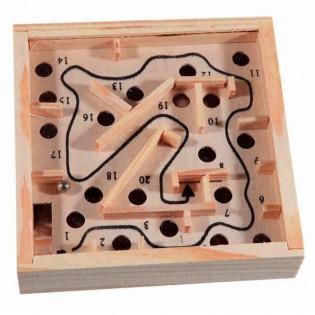Puinen labyrinttipeli