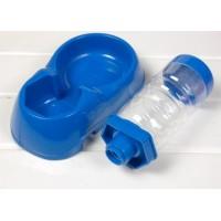 Husdjurs vattenfontän som din hund kan dricka friskt vatten från. Lägg vatten i flaskan, anslut den till skålen och den hund har sin egen vattenfontän. Nu kan ditt husdjur dricka friskt vatten vid alla tidpunkter.
