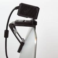 Näppätä tv-teline Xbox one Kinect sensorille. Eikö televisiopöydältäsi löydy sopivaa paikkaa Kinect sensorillesi? Ongelman ratkaisee helposti asennettava tv-teline, jonka avulla ripustat Kinect sensorisi televisiosi ylälaitaan.