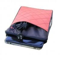 Tyylikäs tikkikankainen laukku tabletille tai kannettavalle tietokoneelle 10, 13 tai 14 tuuman koossa. Läppärilaukussa on iso vetoketju tasku, pienempi vetoketju tasku sekä kätevä kantokahva laukun sivureunassa.