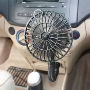 Minituuletin autoon