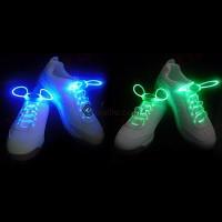 Hohtavat ja vilkkuvat kengännauhat LED valoillla. Hauskat ja makeasti hohtavat kengännauhat sopii hyvin vaikkapa bileisiin tai lenkille lenkkitossuihin!