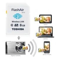 Toshiba WiFi Flash Air II -muistikortti luo oman langattoman verkon kamerasi tai tietokoneesi avulla ja voit siirtää kuvia langattomasti ilman kaapeleita tai kortin irroittamista kamerasta.