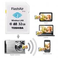 Toshiban WiFi-muistikortti mahdollistaa kuvien ja videoiden siirron langattomasti kameran ja tietokoneen tai kännykän välillä. 32GB-kapasiteetti.
