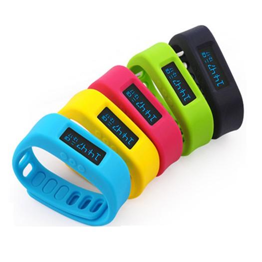Aktivitets- och träningsarmband med Bluetooth