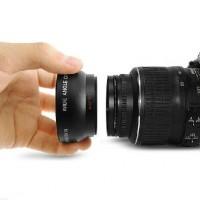 Muunnoslinssin mukana tulee niin laajakulma- kuin makrolinssikin. Tuote on yhteensopiva kaikkien 52/58mm järjestelmäkameran objektiivien kanssa.