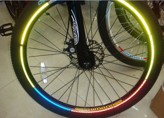 Reflective Wheel Sticker | Heijastintarra renkaille