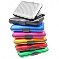 Stilrent och tåligt fodral för dina kreditkort.Gjord av hållbar aluminium och finns i flera färger.