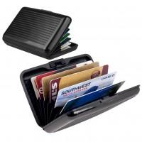 Kevyt, mutta kestävä alumiinista valmistettu lompakko on erittäin kätevä tapa säilyttää niin kortteja kuin käteistä.