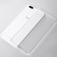 Tyylikäs, elegantti ja viimeistelty läpinäkyvä suojakuori suojaa arvokasta Huawei Honor 6 -puhelintasi naarmuilta ja kulumiselta.