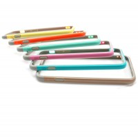 Färgglatt kantskydd för iPhone 6 mobiltelefoner. Skyddsramen som namnet antyder, skyddar kanterna runtom din iPhone.