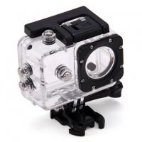 SJCAM SJ4000 -kameran vesiitis kotelo suojaa kameraasi tehokkaasti vedeltä, naarmuilta ja lialta ja mahdollistaa kuvaamisen FullHD-laadulla sekä maan päällä, että vedessä. Vedenkestävyys jopa 30 metriin.