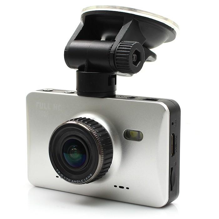"""Diel Full HD Carcam 3.0"""" näytöllä"""