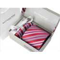 Kat Cheung punaraidallinen solmiosetti