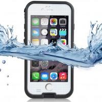 iPhonen reunat ovat liukkaat ja ihmisille sattuu helposti vahinkoja. Vesisade voi yllättää, tai puhelin luiskahtaa kädestäsi. Ole siis varautunut ja suojaa puhelimesi asiallisesti tällä hyvännäköisellä IP68-standardit omaavalla suojakuorella.