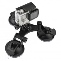 Säädettävän imukuppikiinnityksen avulla action -kameran saa tukevasti kiinnitettyä sileille pinnoille.