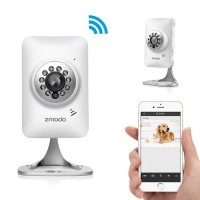 ZMODO WiFi HD -valvontakamerassa on kaikki huippukameran ominaisuudet. Automaattisen infrapunan ansiosta saat kirkasta kuvaa myös yöaikaan. Näppärän kokonsa ja tyylikkään ulkomuotonsa ansiosta kamera istuu hyvin myös kodin sisätiloihin.