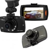 Liikennekamera tallentaa tarkkaa HD-videokuvaa ja laadukkaita still-kuvia 170 asteen laajakulmassa.