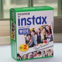 Filmipaketti Fujifilm Instax WIDE 300 polaroid-kameralle. Sisältää 2 kappaletta 10 kuvan filmejä valkoisella taustalla. Osta omasi tästä!