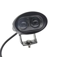Näppärä pistemäinen LED-valo esimerkiksi mönkijään tai muuhun 12-24V jännitteiseen koneeseen. LED-valo on saatavilla sekä pistemäisellä että leveällä valokeilalla.