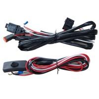 LED-relejohtosarja Deutsch-liittimillä tekee lisävalojen kytkennän autoosi helpoksi. Johtosarjan sopii suoraan DT -liittimillä varustettuihin lisävaloihin. Pienellä askartelulla toimivat myös muiden valojen kanssa.