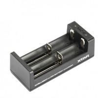 XTAR MC2 akkulaturissa kaksi latauspaikkaa, ja Led-merkkivalo, joka ilmoittaa varaustasosta.
