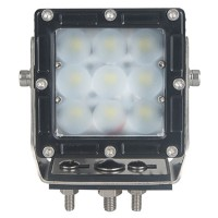 Leveällä valokeilalla varustettu Cree 45W LED-lisävalo sopii monenlaiseen tarpeeseen. Ammattilaissarjan valaisin on tehty kestämään kovaa käyttöä.