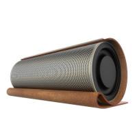 Tyylikäs nahkaan ja metalliin kääritty Betnew X03 Bluetooth kaiutin soittaa musiikkia reippaiden 18W tehojensa avulla. Kaiuttimessa on 2 subwoofer elementtiä!