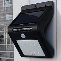 Näyttävä Solaris LED-ulkovalo liiketunnistimella valaisee 8:lla LEDillä tiesi sekä pihasi hämärän tultua ja näin löydät kotiisi ilman pimeässä kompurointia.