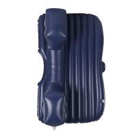 Muunna autosi takapenkki 135 x 85 cm kokoiseksi makuuosastoksi tällä kekseliäällä ilmapatjalla. Mukana toimitetaan ilmatyynyt, jalkatilan tasaavat korokkeet, tupakansytyttimestä virtansa saava pumppu, kuljetuskassi sekä paikkaussarja.