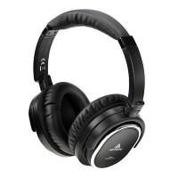 Nämä kuulokkeet ovat ideaalivalinta paljon matkustavalle! Kuulokkeet on varusteltu yllättävän tehokkaalla aktiivisella vastamelulla, joka poistaa tehokkaasti esimerkiksi lentokoneen huminan.