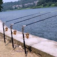 Avokelalle automaattilaukaisimella oleva vapa pitää kätesi vapaana kalastusreissulla. Istut rauhassa rannalla ja odotat kalantärppiä. Kalastus on mukavaa ja helppoa oikeilla välineillä.