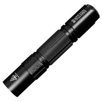 Erittäin hyvä taskulamppu - Pieni, mutta pipurinen Imalent DM21T 1000lm valovoimalla & 268 metrin kantavuudella. Ladattavassa taskulampussa on IPX8-suojaus.