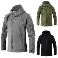 Lämmin ja tyylikäs fleece-takki luontoon tai asfalttiviidakkoon. Sopii väliasuksi tai päällystakiksi. Erinomainen laatu, sopiva hinta.