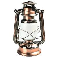 LED-retkilyhty näyttää vanhalta lyhdyltä kuparisen värin, muotoilun sekä LED-liekkivalon ansiosta! Lampussa on 2 erilaista valotilaa; Valkoinen LED sekä aitoa liekkiä imitoiva valotila.