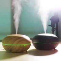 3-in-1 ultraääni-ilmankostuttimessa yhdistyy puunvärinen design ja tyylikäs valaistus, ultraäänen höyrystämä vesi sekä aromiöljyllä ehostettu tuoksumaailma!