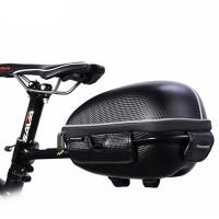 Pyörälaukku / tavarateline asetetaan polkupyörän taakse roikkumaan satulaputkesta ja näin saat tavaratelineen vaikka matka- tai maastopyörään! Kätevää.