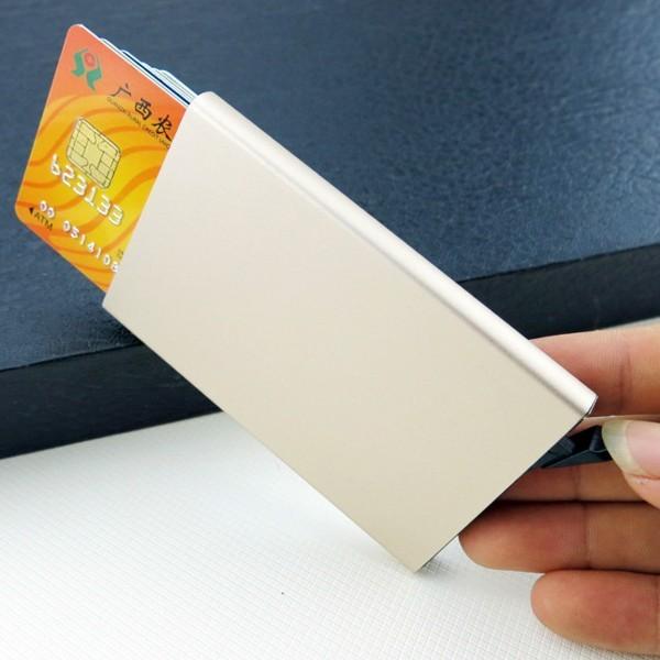 LOMPAKKO-ONGELMA! Miten teillä mahtuu lompakkoon mitään??