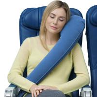 Uudenmallinen puhallettava matkatyyny, jonka kanssa on helppo nukahtaa. Sopii takapenkille mökkimatkojen ajaksi ja loistava myös lentokoneeseen.