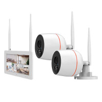 2 x trådlös övervakningskamera och kompakt pekskärm som fungerar som en NVR. Det mest mångsidiga övervakningssystemet för ditt hem.