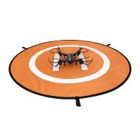 Dronen lähtö- ja laskeutumisalusta ehkäisee dronen naarmuuntumista, vahingoittumista ja likaantumista. Heijastinpinnalla näet myös laskeutua. Mukana maapiikit.