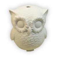 Ellestfun Owl on kokonaisvaltainen sisustuselementti, sillä se on tyylikäs sisustusvalo, joka parantaa kotisi tuoksumaailmaa ja kostuttaa kevyesti myös sisäilmaa tehden siitä miellyttävämmän. Usvaa suihkuttava pöllö höyrystää tuoksuveden ultraääniteknologian avulla. Pöllö on keraaminen ja se kuultaa lämmintä valoa.