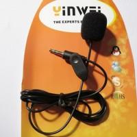 Liten och behändig mikrofon som kan anslutas till alla 3,5mm mikrofoningångar. Mikrofonen har ett clips, så du kan enkelt fästa den exempelvis i skjortan.