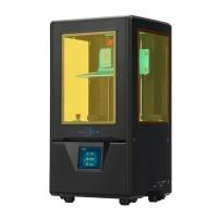 Anycubic Photon S DLP 3D-tulostin tekee erinomaisen tarkkaa jälkeä ja on varusteltu aktiivihiilisuodattimella joka neutraloi tehokkaasti hartsin pahaa hajua.