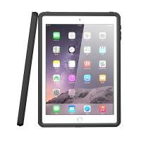 Vedenkestävä ja IP68-luokituksen omaava suojakotelo takaa, että iPadisi pysyy turvassa joka tilanteessa.