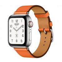 Tämä klassinen nahka Apple Watch -ranneke on helposti säädettävä ja kestävä. Valitse monesta eri värivaihtoehdosta mieleisesi.