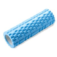 Foam roller eli rolleri on näppärä väline lihashuoltoon. Auttaa palautumaan treenien jälkeen ja sopii myös lämmittelyyn ennen harjoituksia.
